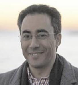 El novelista y neumólogo onubense, José Fernández Guerra.