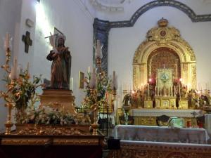 La procesión del patrón de Linares, San Juan Bautista, se lleva a cabo el 24 de junio.