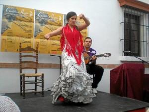 Actuación flamenca que tuvo lugar durante la presentación en Niebla.