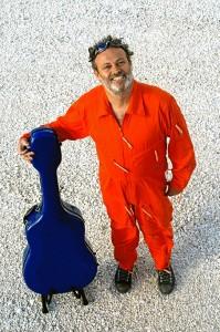 El artista vincula su juventud con Huelva. / Foto: www.chaomanagement.com