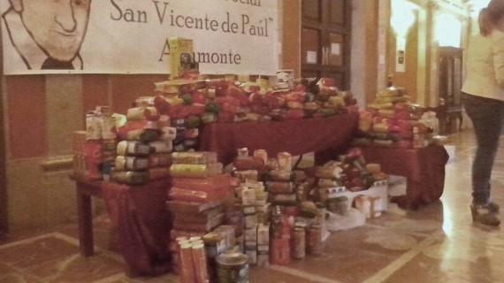 Una Exhibición Solidaria de Flamenco en Ayamonte recauda 370 kilos de alimentos