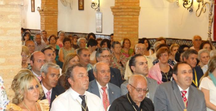 Emotivo homenaje a la Hermandad de Montemayor de Moguer al Padre Roca