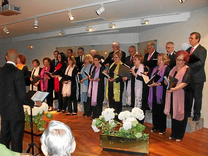 Actuación del Coro del Teatro Lírico de Huelva en el Centro Cultural de la Fundación Caja Rural del Sur.