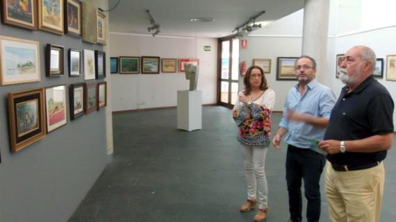 Punta Umbría exhibe más de un centenar de obras de arte de sus fondos municipales