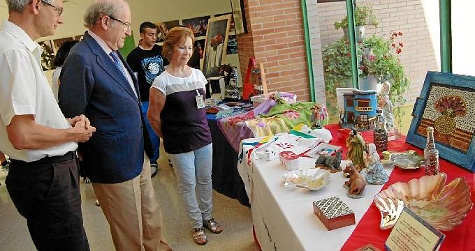 Los internos del Centro Penitenciario de Huelva clausuran el programa  'Cultura en los Barrios'