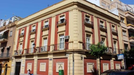 La 'Casa de Renta', actual sede de los Colegios de Médicos y Veterinarios de Huelva, recuperará su imagen histórica