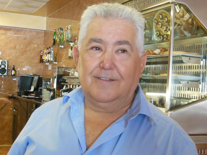 Manuel Domínguez, 40 años de dedicación y amor al sector de la hostelería de Huelva