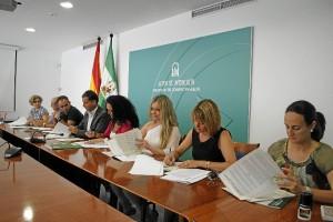 Firma del convenio con los ayuntamientos de Huelva, Almonte, Lepe, Isla Cristina, Ayamonte y Moguer.