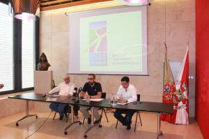Presentación del programa de actividades veraniegas.