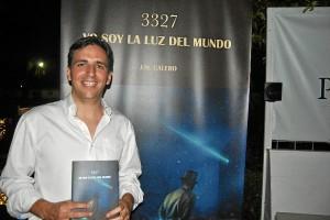 Juan María Calero, con su primera novela.