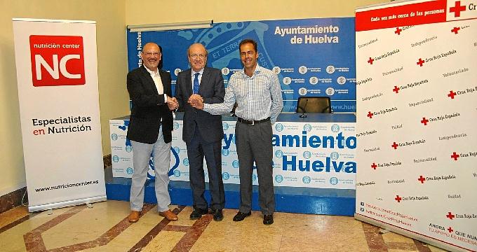 Antonio González, Pedro Rodríguez y Oliver Ruiz en la presentación de los campamentos.