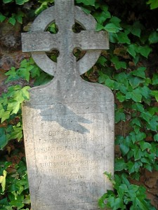 Cementerio inglés de Riotinto. Cruz celta de G. H. Wilson, muerto en pozo Alicia.