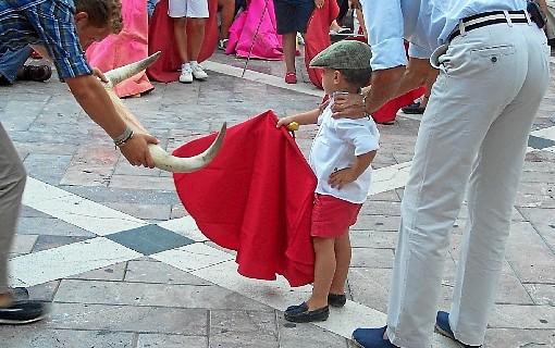 Miguel Ángel Perera acerca el toreo a los niños