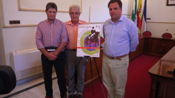 Un total de 100 jinetes participan en el I Torneo de Doma Clásica