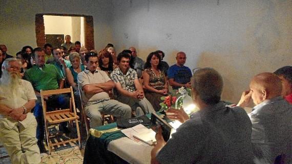 Linares de la Sierra rinde un homenaje al escritor serrano Rafael Vargas