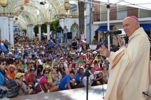 Salutación del obispo de Huelva.