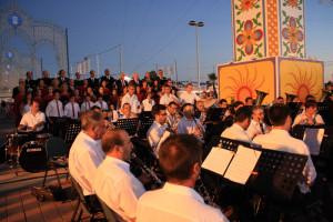 La Banda Sinfónica Municipal, el Orfeón y la Escolanía Onubense ofrecieron un concierto.