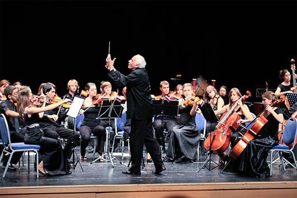 La Orquesta Hispano-Rusa actuará en Valverde.