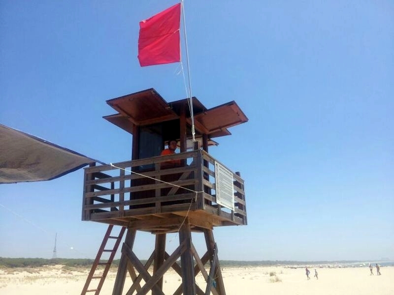 Puesto de Socorro de Protección Civil en la playa de La Bota.