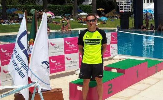 El nadador Rubén Gutiérrez, de Isla Cristina, tricampeón de Portugal Open Máster