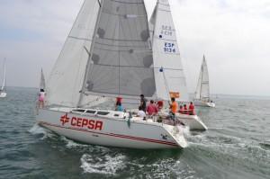 El 'CHEZZY-CEPSA ESCUELA DE VELA DE PALOS' que quedó segundo en la ORC 2. / Foto: www.mazagonbeach.com