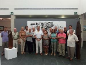 Foto de familia de los participantes en la muestra.