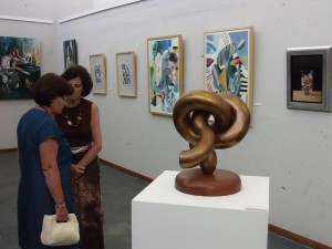 Una muestra la exposición de Punta Umbría.