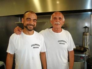 Juan MIguel Izquierdo y su sobrino Jesús Izquierdo, que continuará con la tradición familiar.