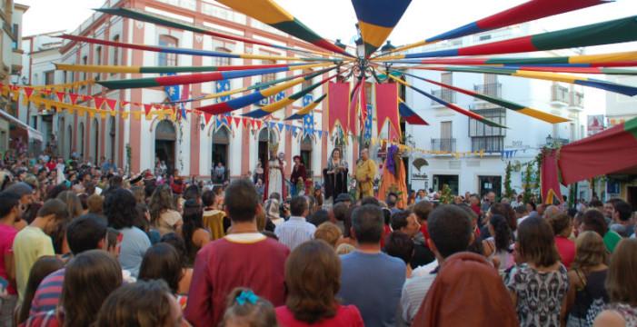 Unas 7.000 personas visitan el primer día de las Jornadas Medievales de Cortegana