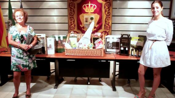 Isabel Olivero gana un lote de productos de Huelva en Punta Umbría