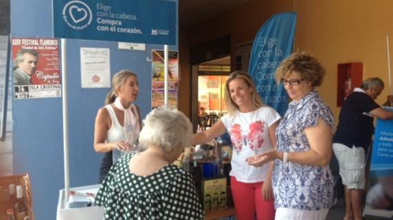 La campaña 'Que Sea de Huelva' sigue llevando los productos de la provincia a los mercados de la Costa