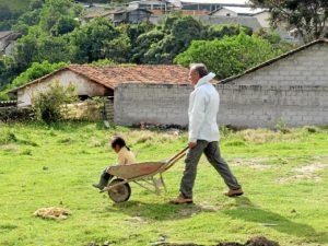 En 2010 se marchó con un programa de cooperación a Ecuador junto a su hija.