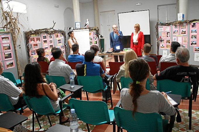 Las charlas del Aula de la Naturaleza del Parque Moret de Huelva llegan a más de 500 onubenses
