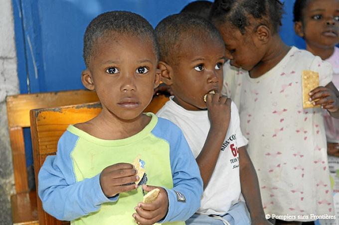 El dinero recaudado irá destinado a proyectos educativos en Haití. / Foto: bomberosinsfronteras.com.