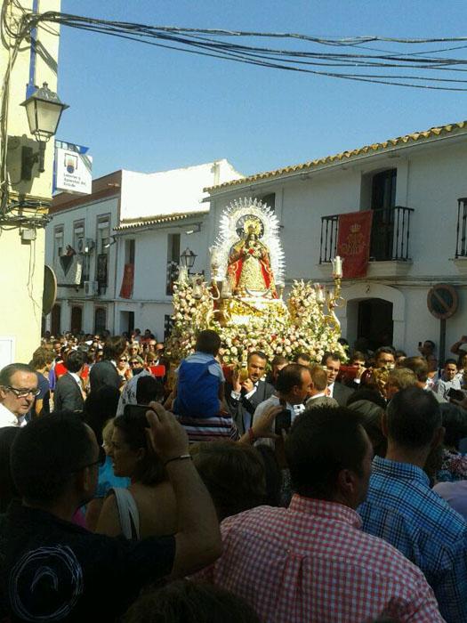 Un momento de la procesión de Nuestra Señora de la Coronada.