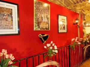 Las imágenes que decoran el interior de la caseta de la Cena.
