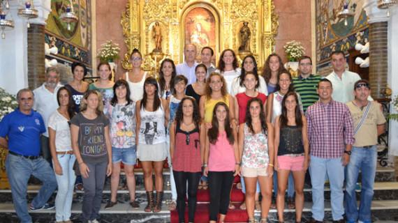 El Fundación Cajasol San Juan realiza la tradicional ofrenda de flores a la Virgen de la Cinta