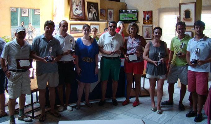 Vencedores del Memorial José Hernández, que ha celebrado su décimo aniversario en Islantilla.