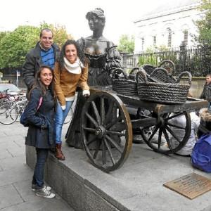 El historiador ha hecho muchos amigos en el extranjero.