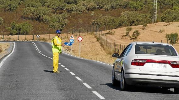 Licitadas en Huelva operaciones de explotación y conservación de carreteras por 7,7 millones de euros