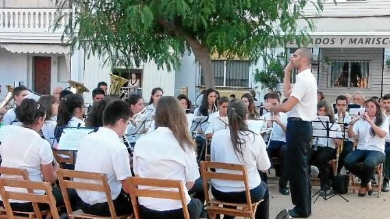 El Festival de Bandas de Punta Umbría homenajea a la Escuela Municipal de Música por su 50 aniversario