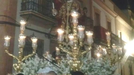 Multitudinaria y emotiva procesión de San Bartolomé por las calles de Rociana