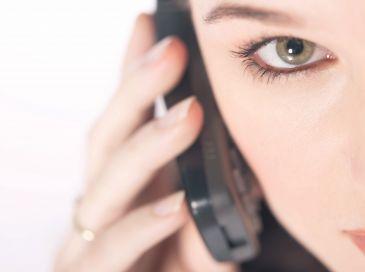 Las personas que más uso hacen del teléfono, son personas que están solas.