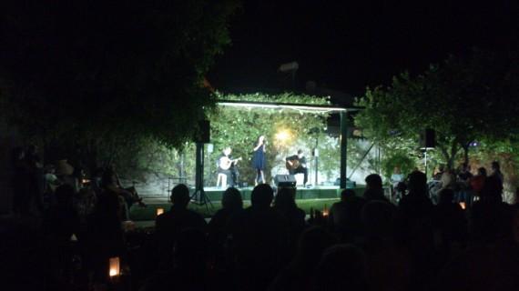 Trigueros vive una noche mágica con los fados de Sara Paixao