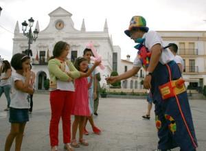 El Payaso 'Chilolo' durante su actuación en la Feria.
