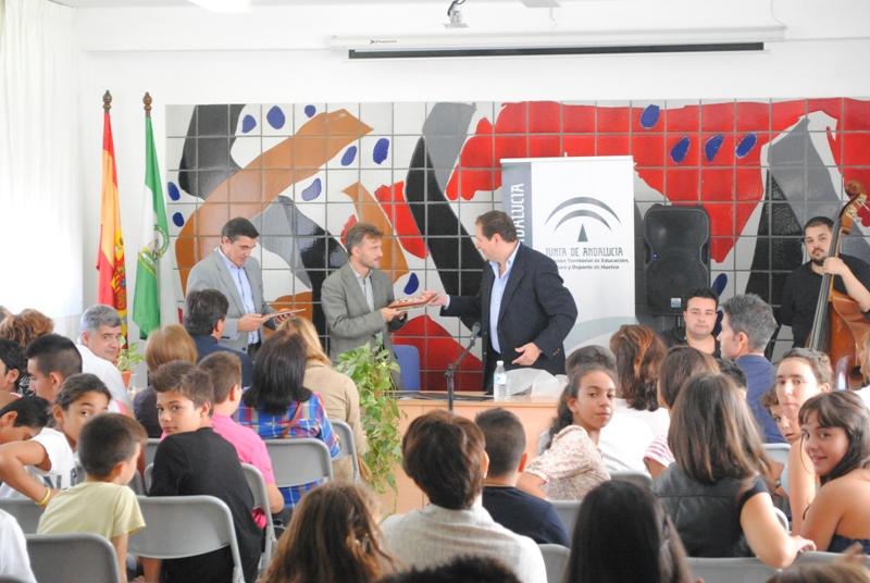 José Fiscal ha inaugurado el nuevo curso en el IES José Caballero.