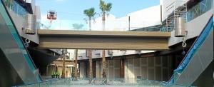 Estado actual del interior del centro comercial Holea.