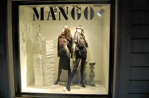 Mango busca vendedores y un director para su nueva tienda.