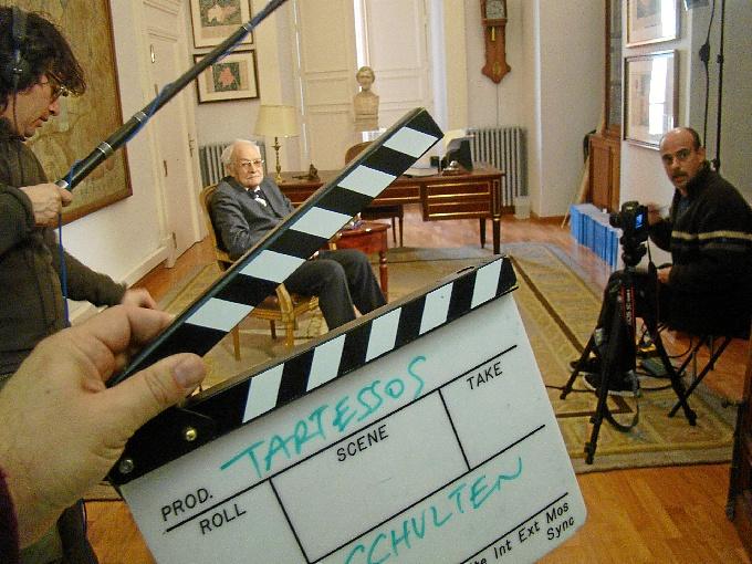 La idea de realizar el documental surge del historiador Fernando Wulff Alonso, experto en historiografía.
