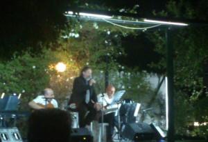 Jolis interpretó música parisina y argentina.